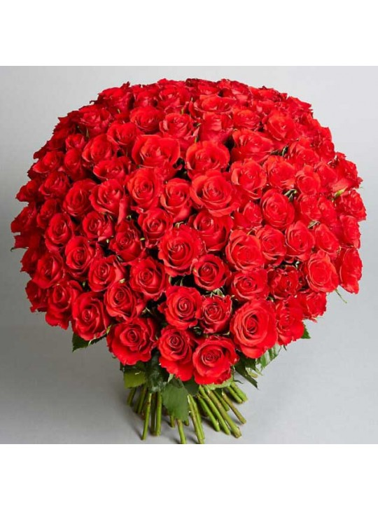 Монобукет из 101 красных роз
