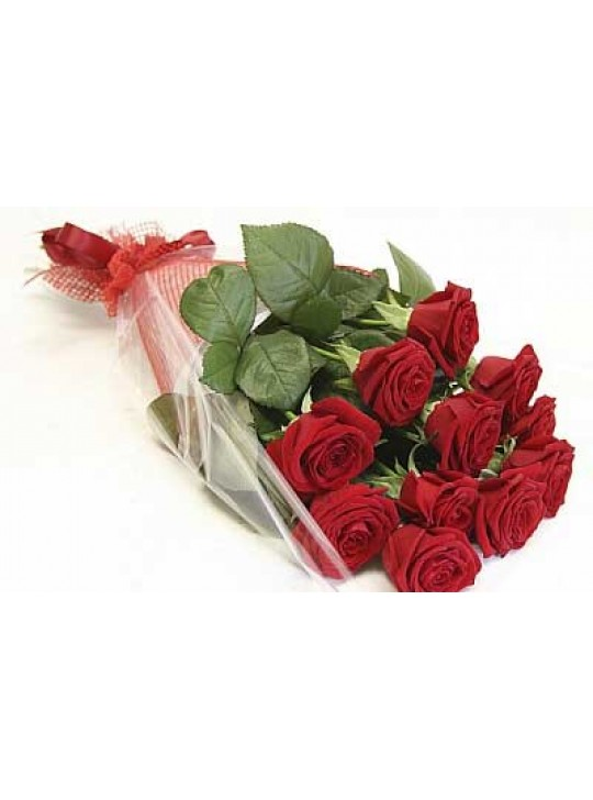 Монобукет из 11-ти красных роз в пленке