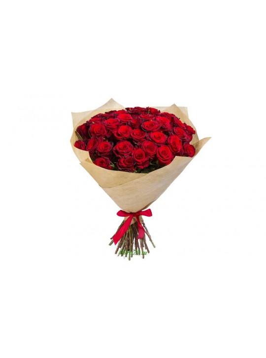 Монобукет из 51 красных роз в крафте