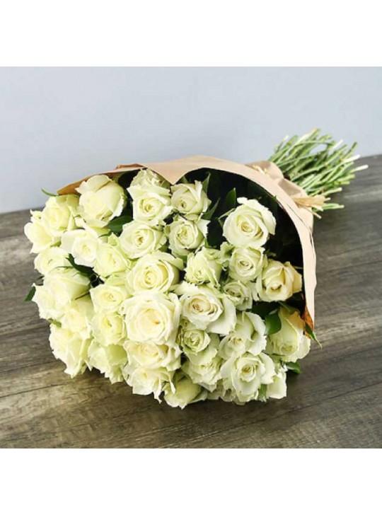 Монобукет из 51 бело-розовых роз