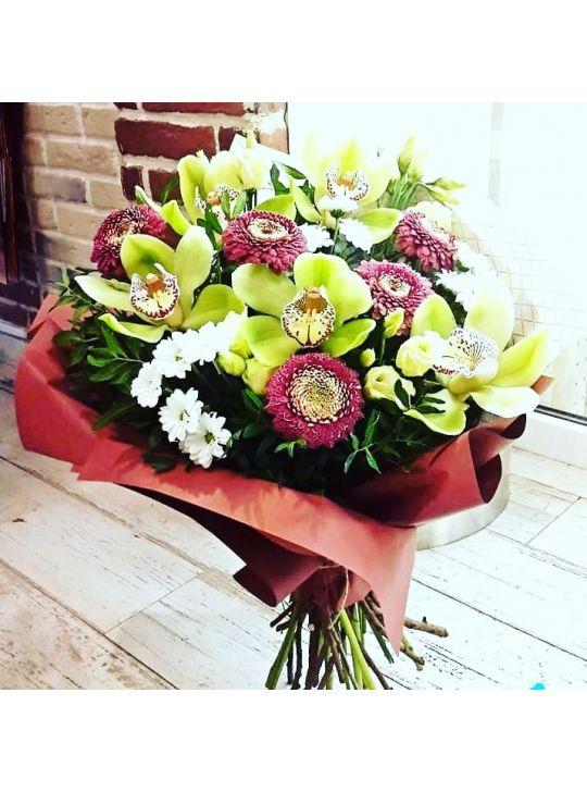 Букет с орхидеей Цимбидиум