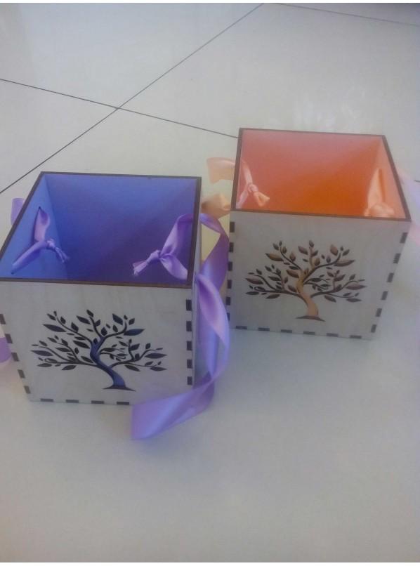 Ящик из дерева с декор
