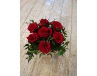 Композиция с красными розами