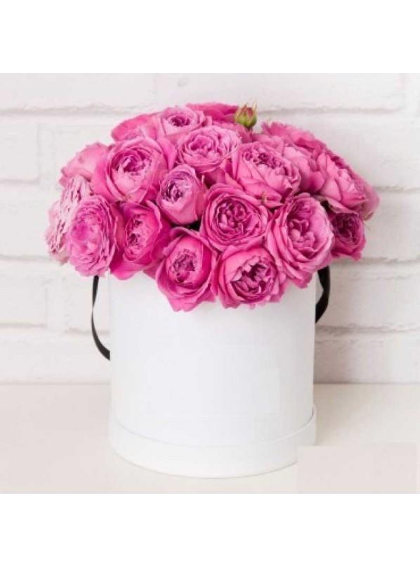 Монобукет из 51 розовых роз в шляпной коробке