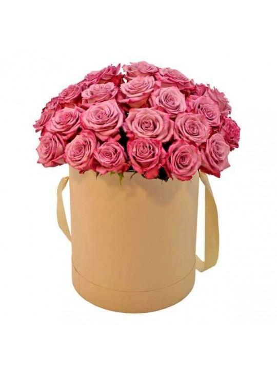 Монобукет из 25 розовых роз в шляпной коробке
