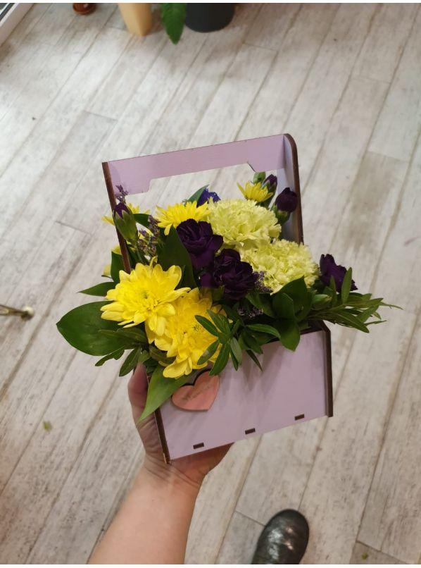 купить  композицию, купить цветы в коробке