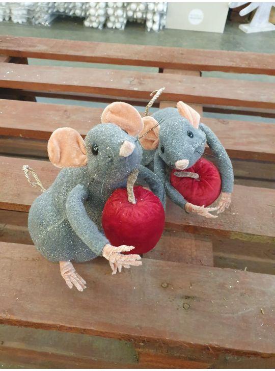 Мышка с яблоком